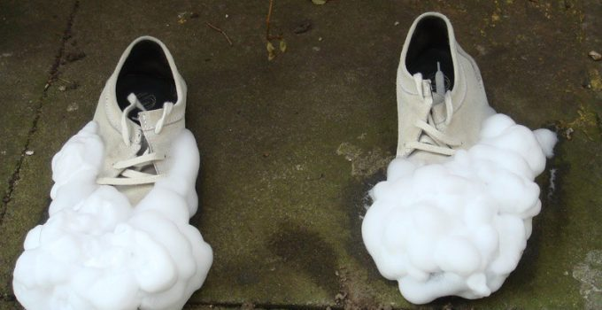 clean running shoes